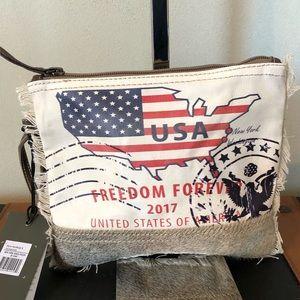 Handbags - Myra wristlet New York Verge pouch Bag. NWT